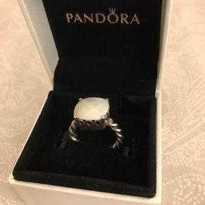 Auth💯 Pandora Elegant Sincerity Twist Ring